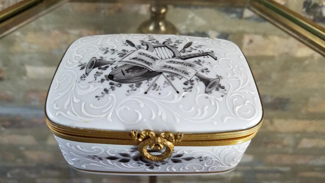 Bonwit Teller Made in France Porcelain Jewelry Box - 2
