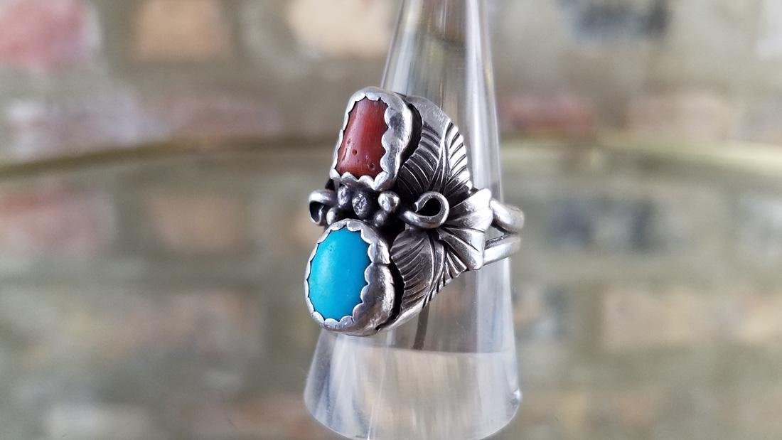Vintage Sterling Ring Navajo With Turquoise and Coral - 2