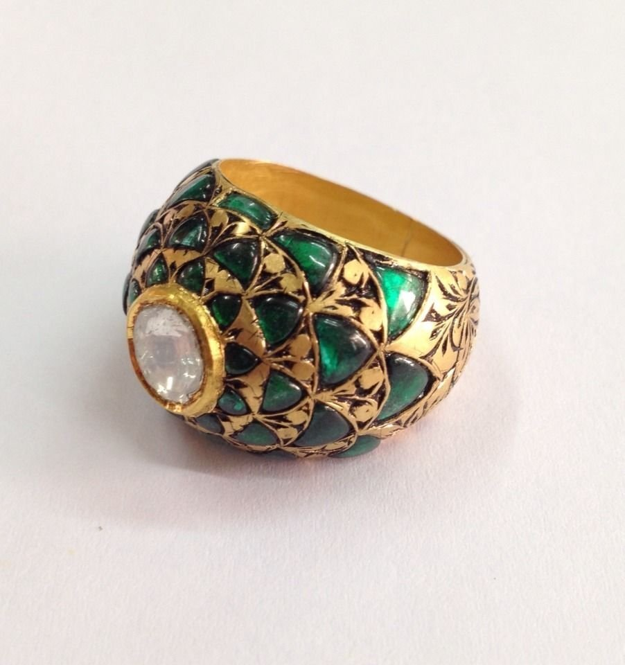 Mughal style India 22ct gold/0.41 uncut dimond Ring