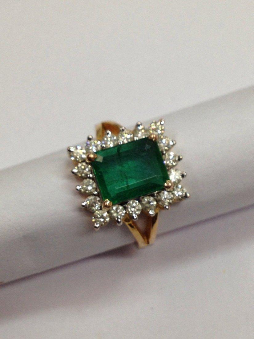 18 Kt yellow Gold Emerald Diamond Ring, 2.92 ctw