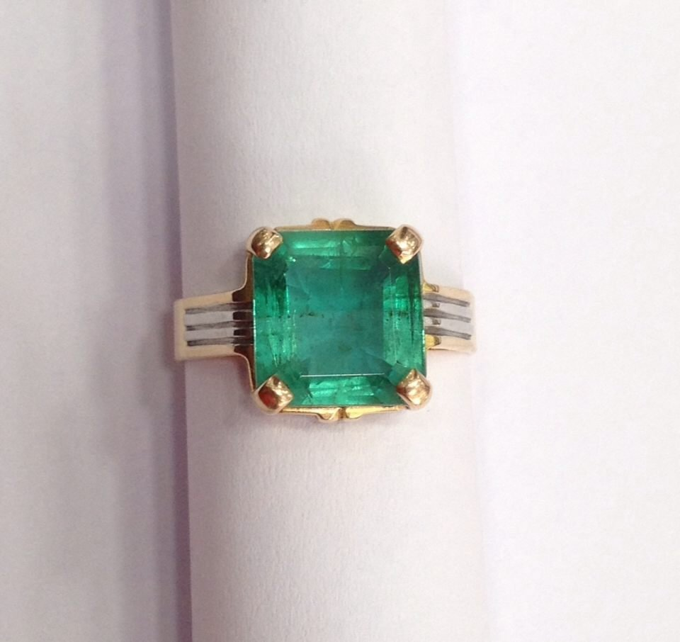 18 Kt yellow Gold Emerald Ring, 4.75 tcw - 2