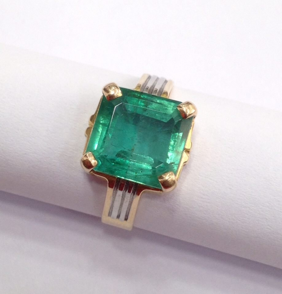 18 Kt yellow Gold Emerald Ring, 4.75 tcw - 4