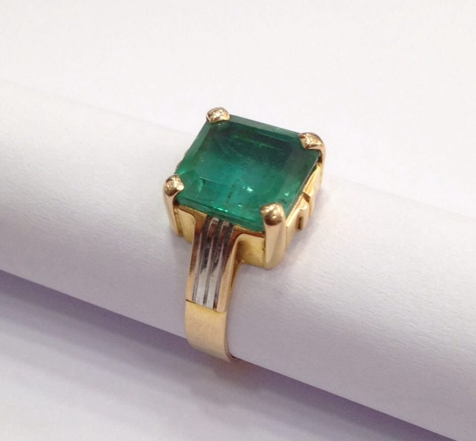 18 Kt yellow Gold Emerald Ring, 4.75 tcw - 6