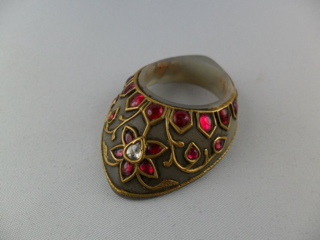A fine Mughal style jade Archer's Thumb Ring - 3