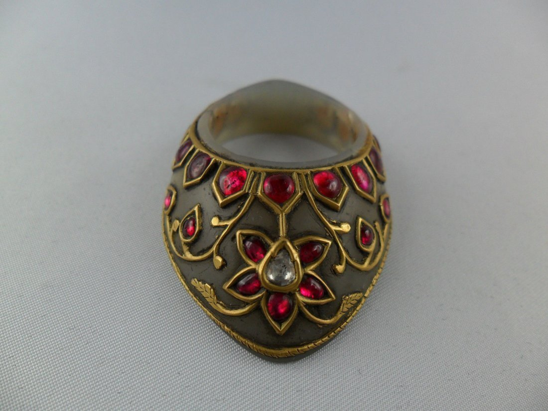 A fine Mughal style jade Archer's Thumb Ring - 7