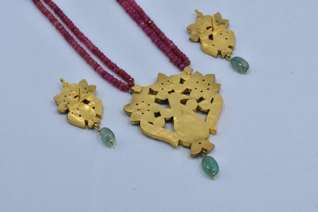 VINTAGE 22 KT GOLD INDIA DIAMOND PENDENT SET - 6