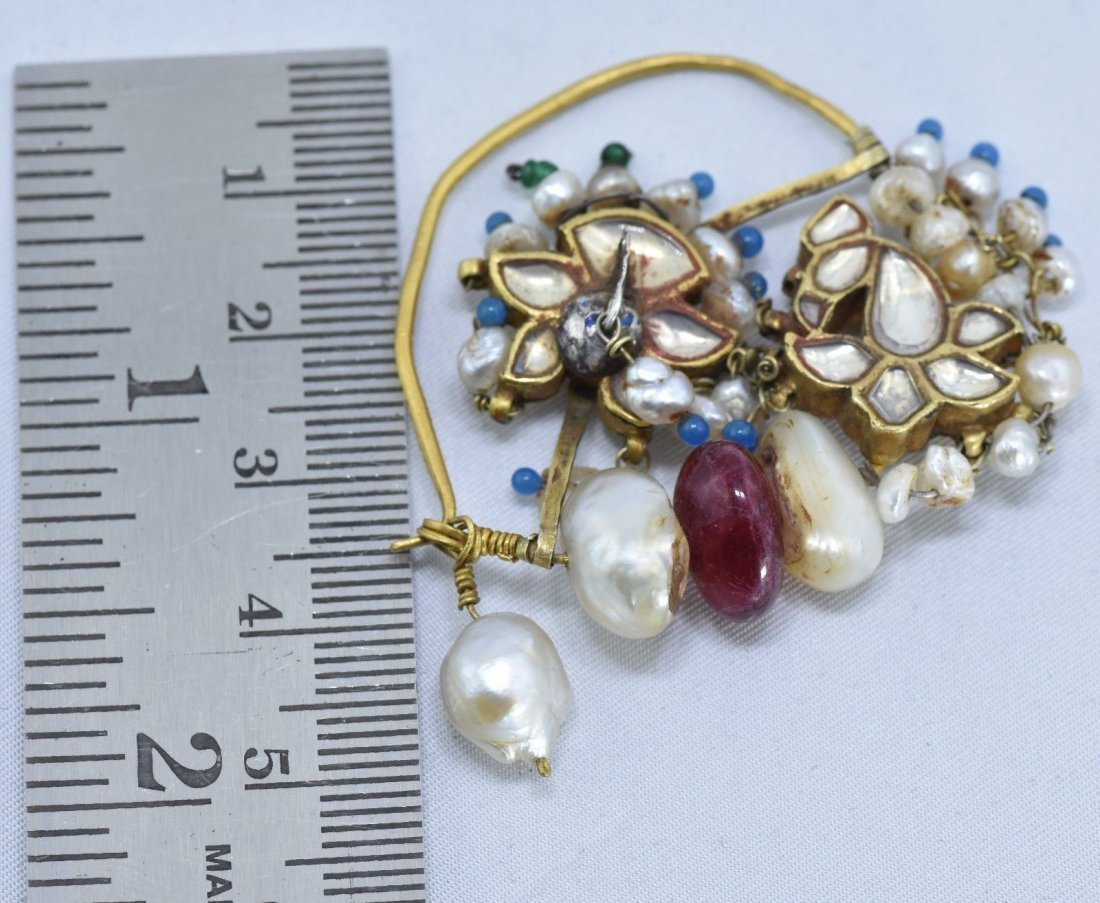 Mughal Indian 18 kt Gold, Pearl & Spinel Nose Ring - 3