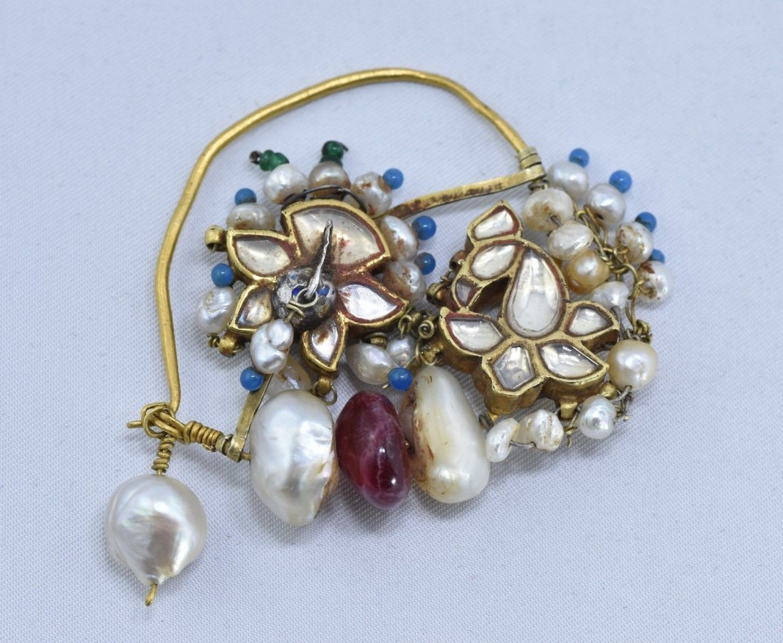 Mughal Indian 18 kt Gold, Pearl & Spinel Nose Ring - 4
