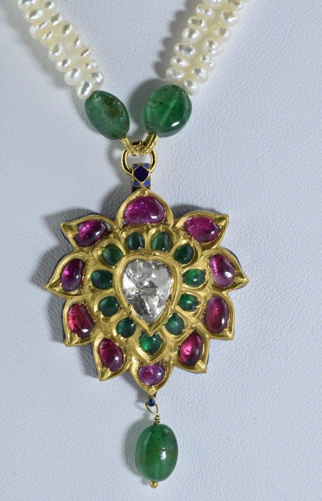 Mughal vintage India 22ct gold/ Precious stone Pendant
