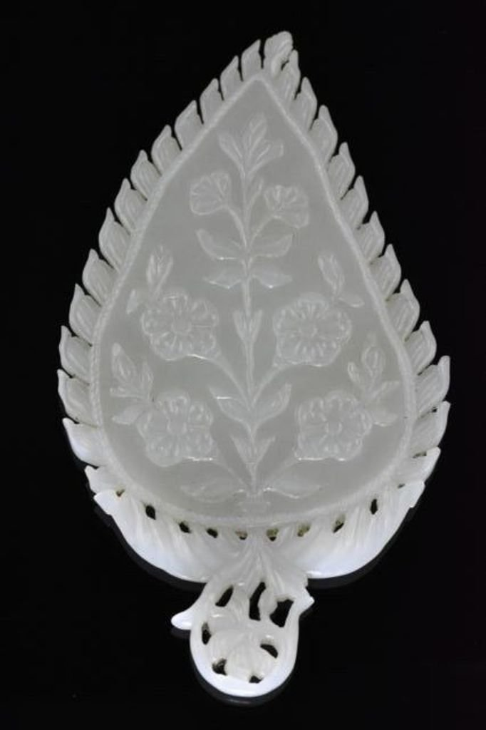 Jade Mirror in the Form of a Leaf, India, Mughal style