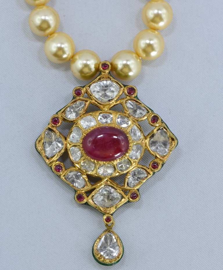 Indian 18 kt Gold Pendant with Diamonds and Rubies - 3