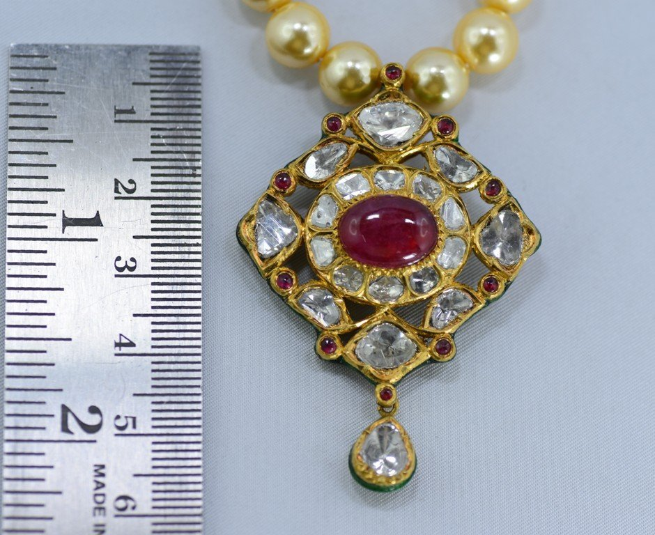 Indian 18 kt Gold Pendant with Diamonds and Rubies - 5