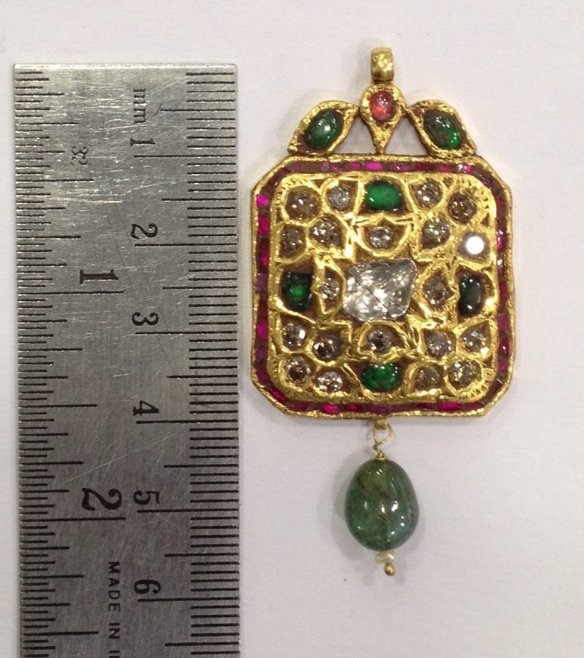 Mughal style 18 kt Gold pendent with Natural Diamonds - 3