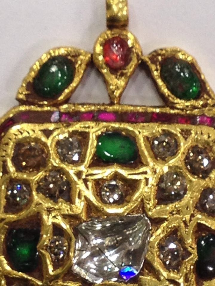 Mughal style 18 kt Gold pendent with Natural Diamonds - 4