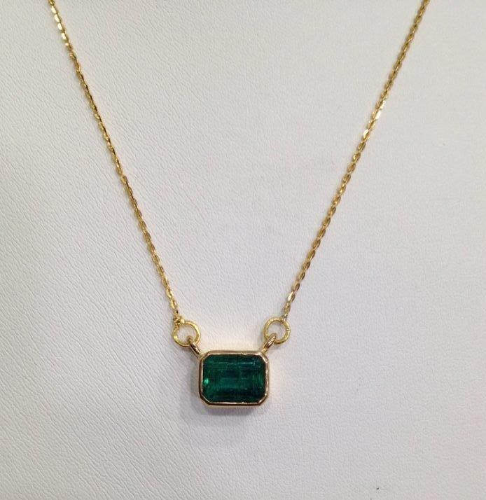 4.90 CT EMERALD 22 KT YELLOW GOLD PENDANT NECKLACE - 6