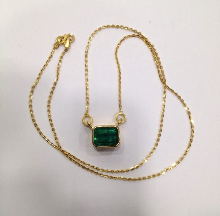 4.90 CT EMERALD 22 KT YELLOW GOLD PENDANT NECKLACE - 7