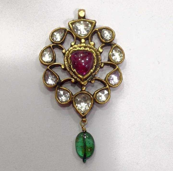 Mughal style 18 kt Gold pendent with Precious gemstone