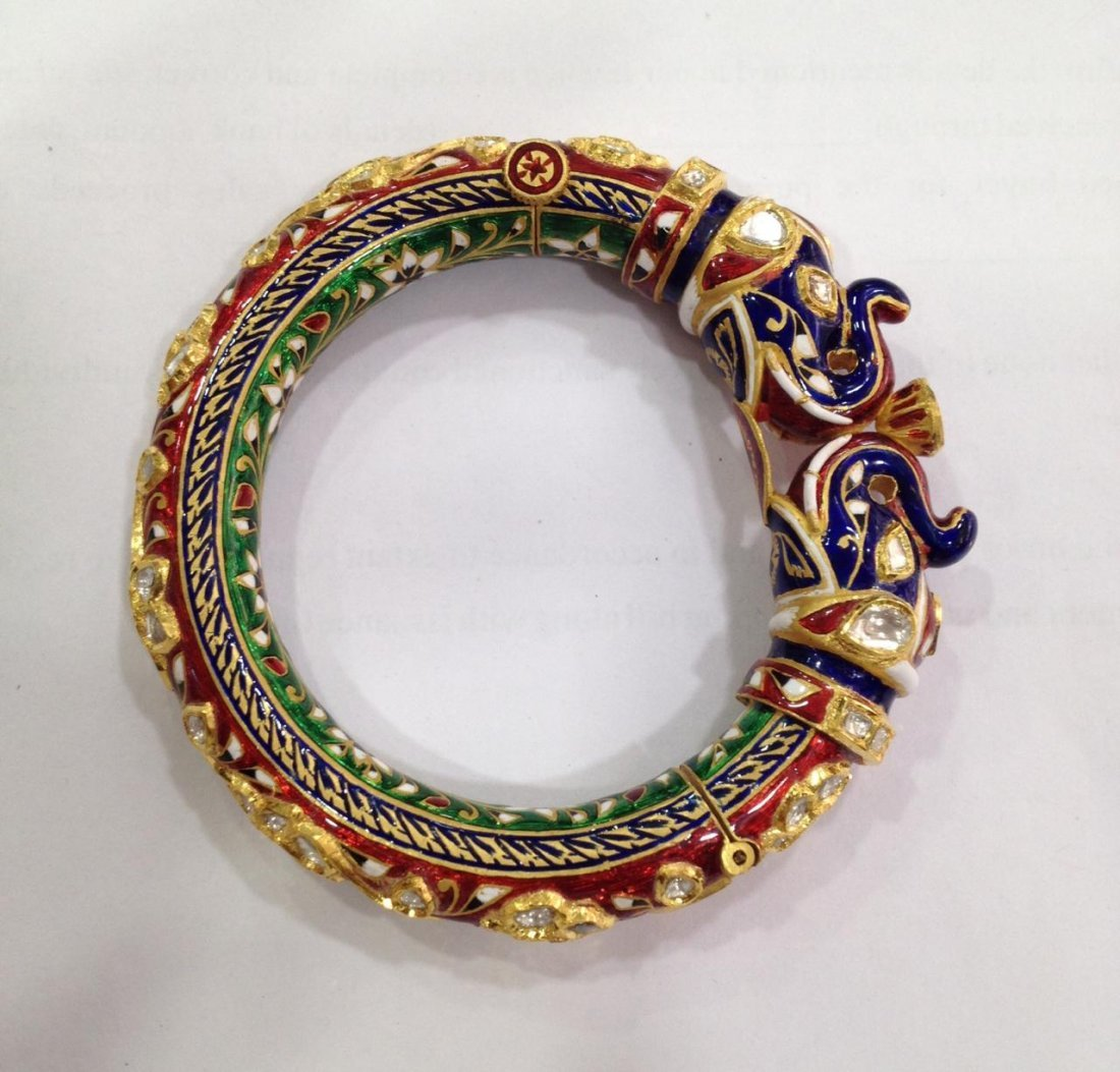 22K Solid Gold Mughal Style Beautiful Diamond Bracelet - 4