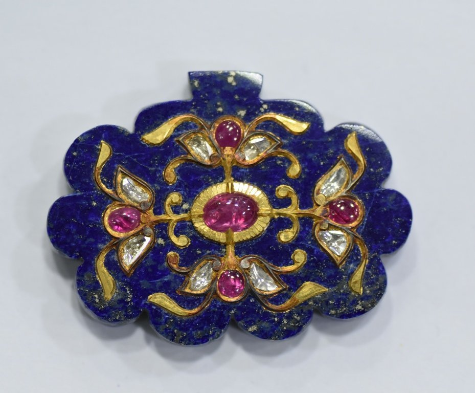 LAPIS LAZULI PENDANT STUDDED WITH GOLD AND GEMS