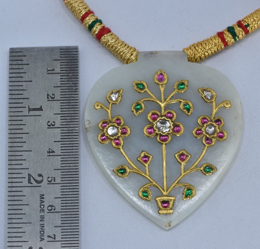 MUGHAL STYLE BEAUTIFUL ORNAMENTAL JADE PENDANT - 4