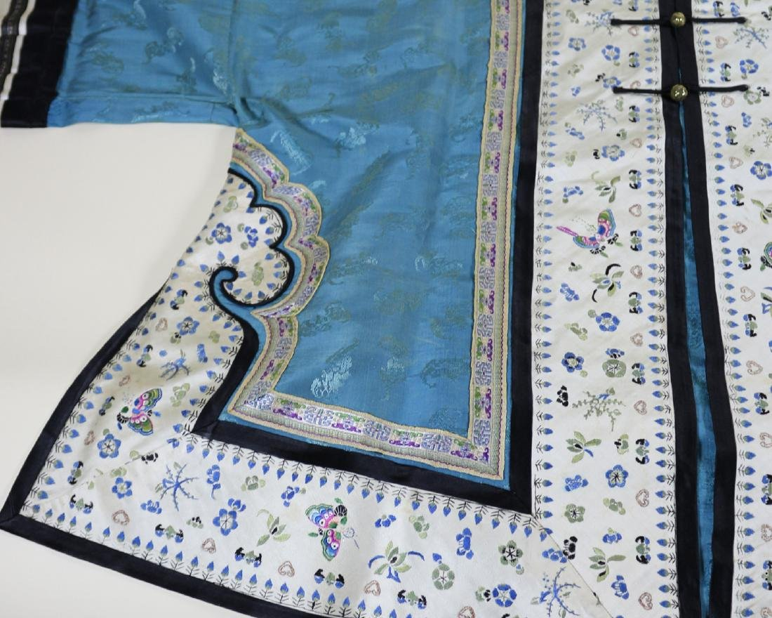 CHINESE EMBROIDERED ROBE - 3