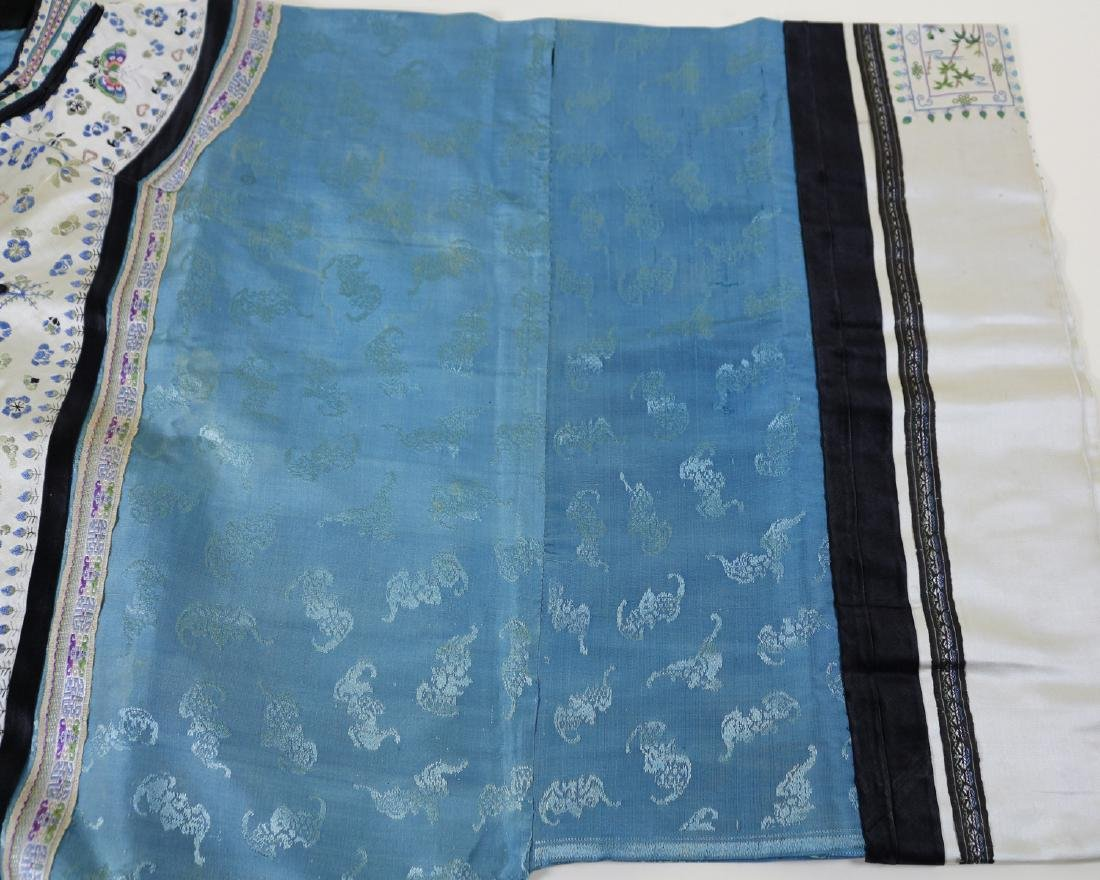 CHINESE EMBROIDERED ROBE - 9