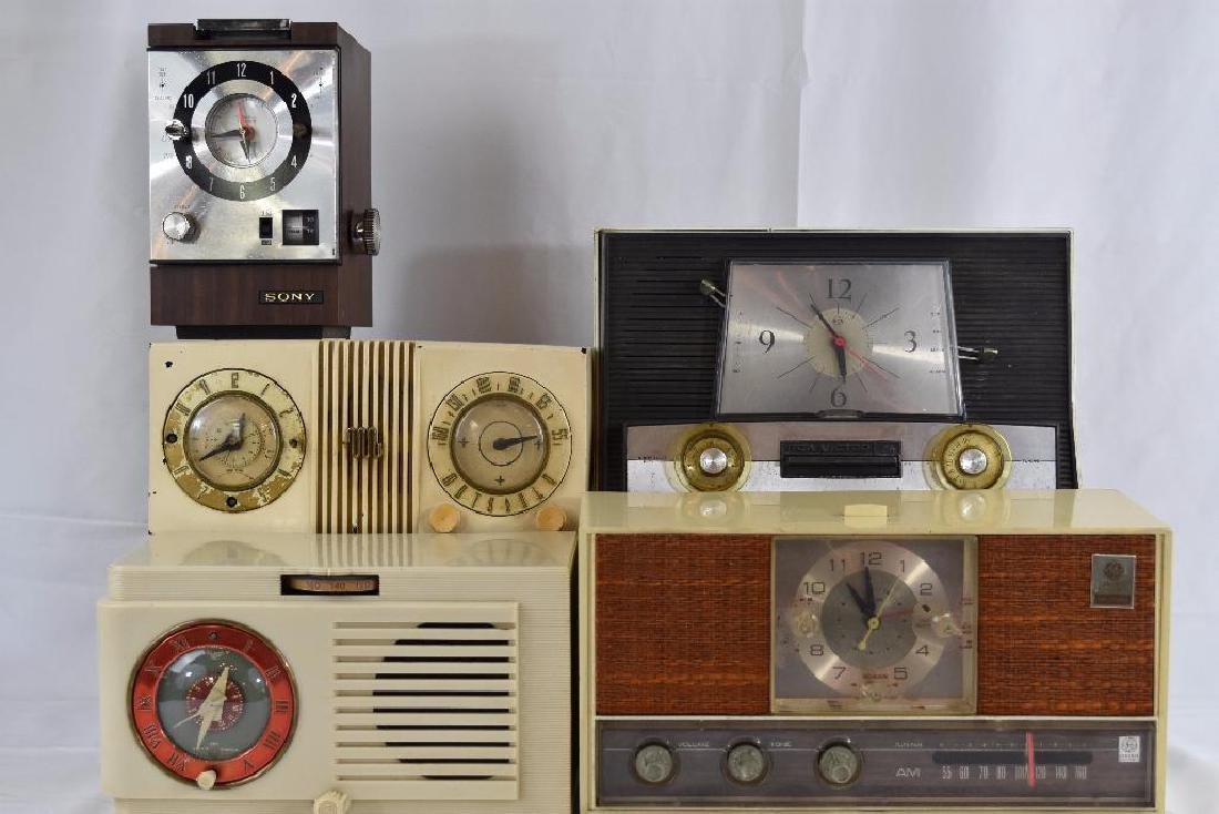 Five Vintage Tube Radios. GE, Sony, RCA, Motorola