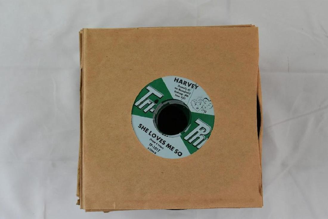 45 Records. Tri-Phi Tracks: She Loves Me Harvey NOS - 3