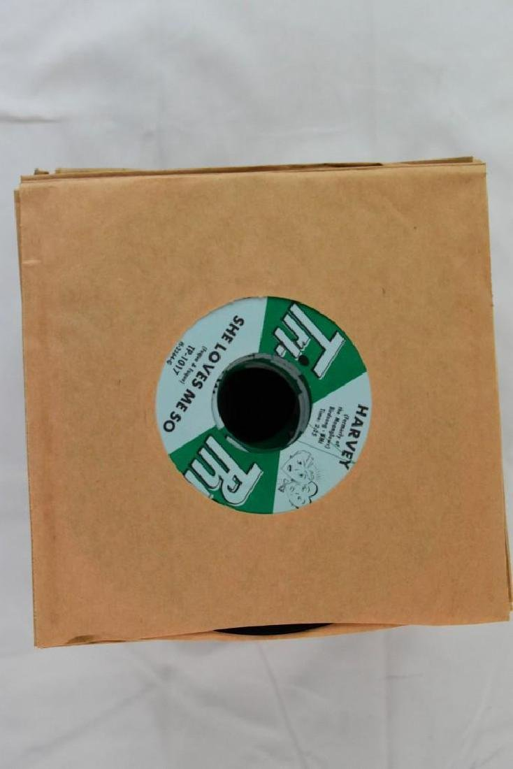 45 Records. Tri-Phi Tracks: She Loves Me Harvey NOS - 4