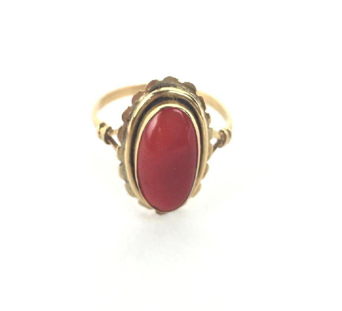 Vintage 18k Gold Ring With Coral Stone