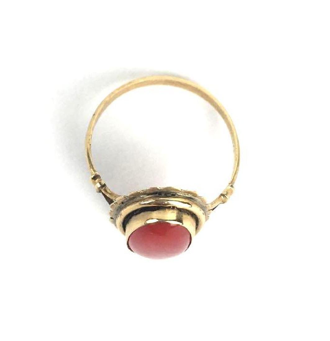 Vintage 18k Gold Ring With Coral Stone - 2