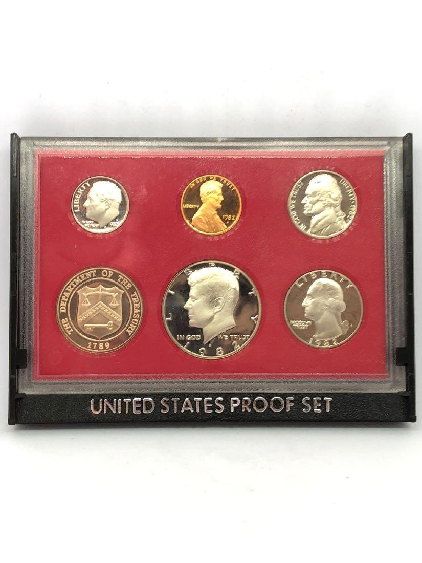 Lot of One 1982 US Proof Set