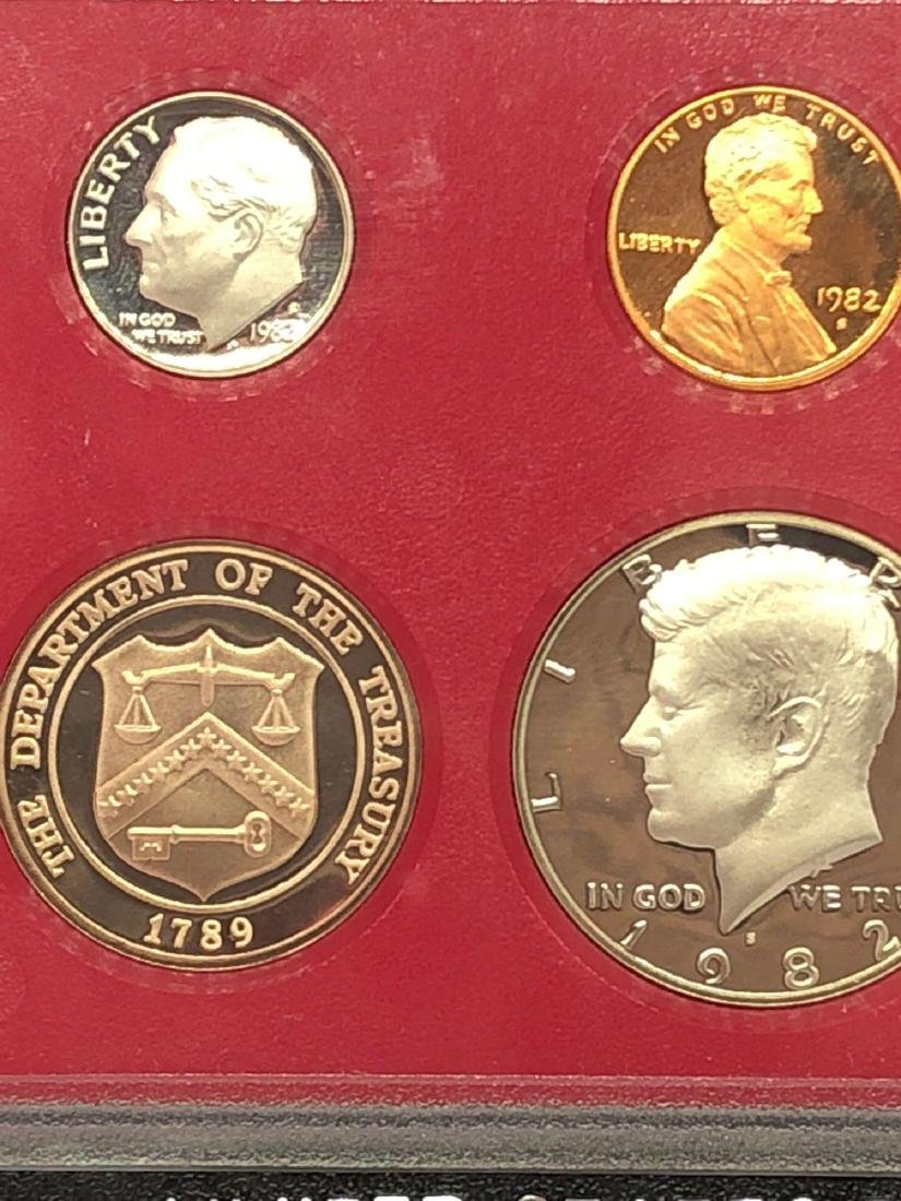 Lot of One 1982 US Proof Set - 2