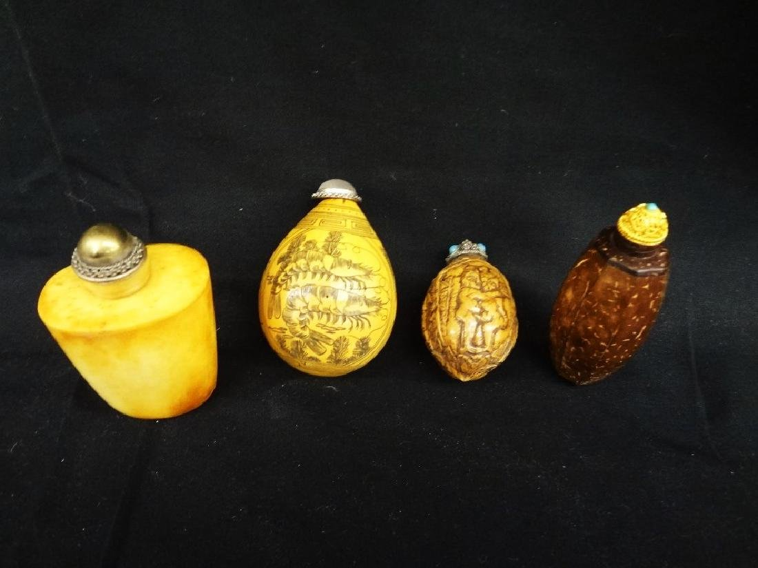 (4) Chinese Snuff Bottles Wood, Gourd