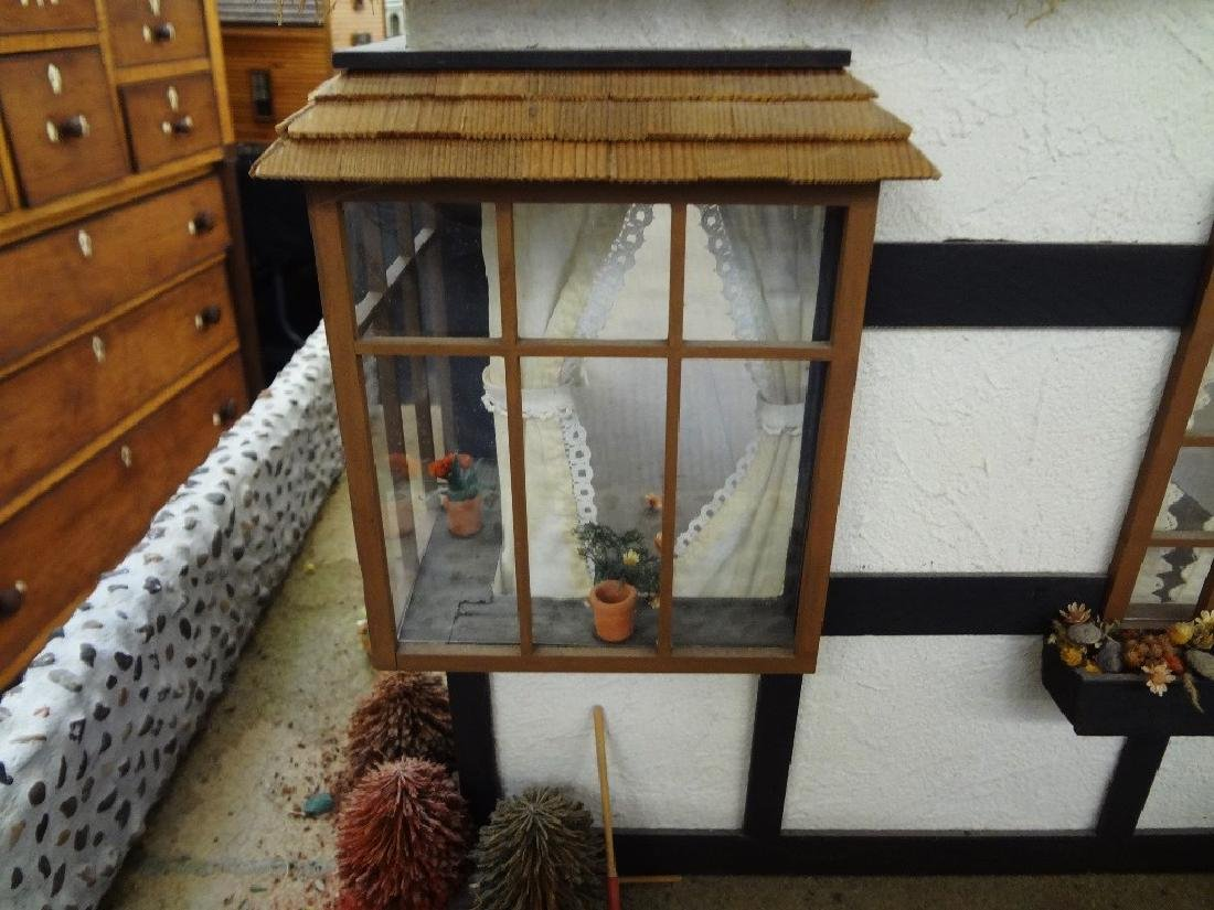 20th Century Old English Countryside Doll House Hand - 9