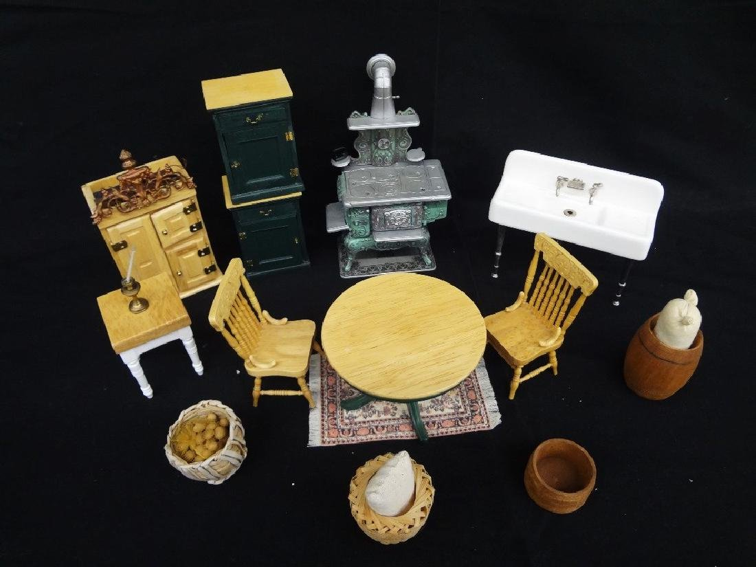 Collection of Miniature Doll House Furniture: 13 Pieces