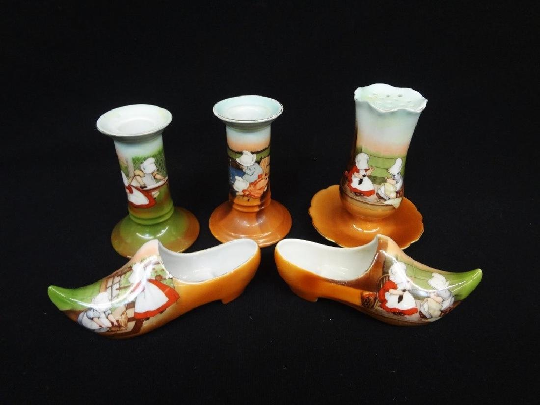 Royal Bayreuth Sunbonnet Girls: Dutch Shoes,