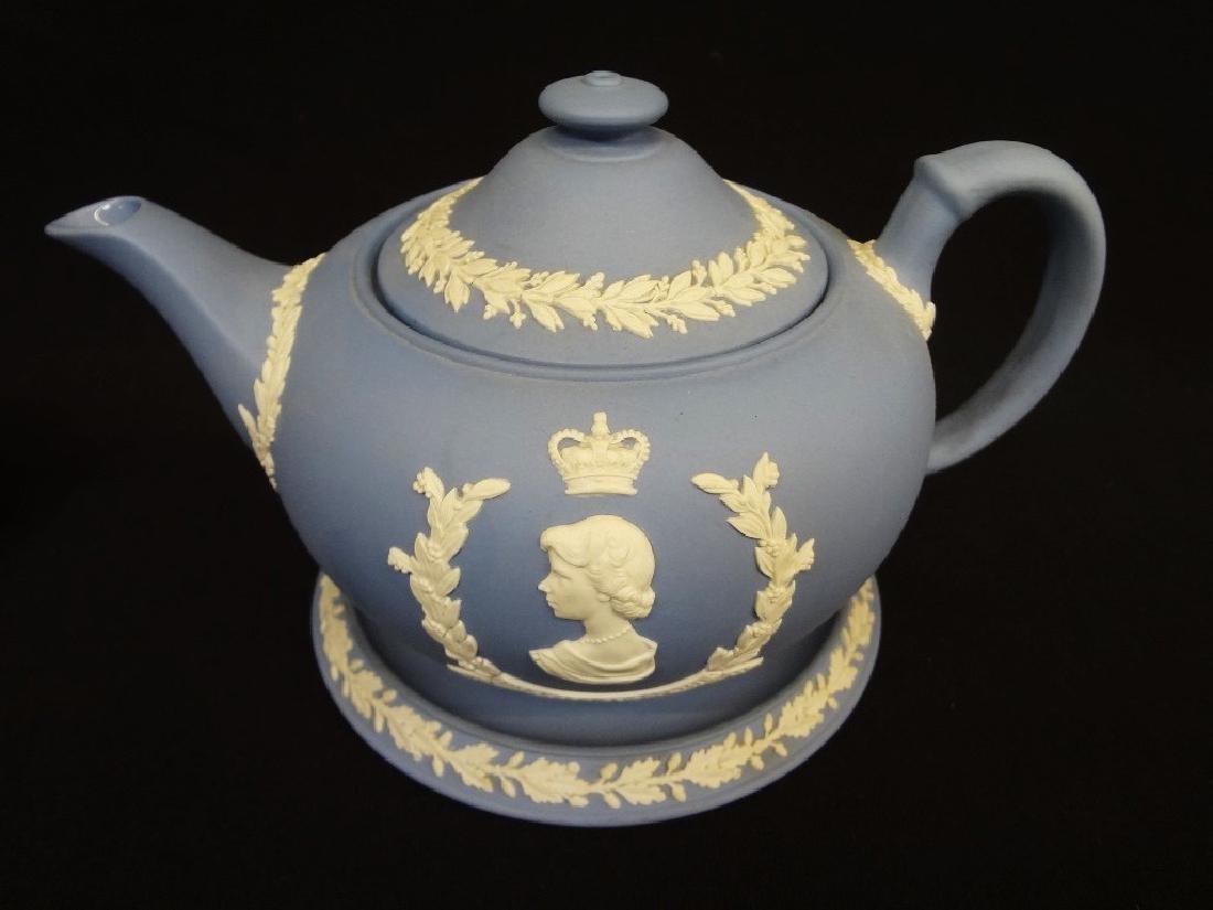 Wedgwood Jasper Blue Tea Pot, Creamer and Sugar - 3