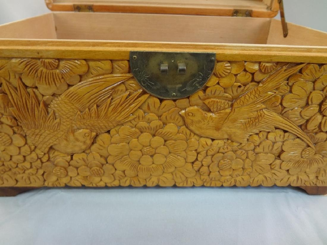 Chinese Heavily Carved Box Bird Scenes - 4