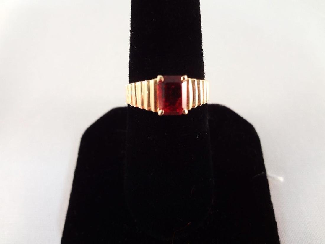 14K Gold Ring (1) Emerald Cut Garnet 6x4mm Size 6.5