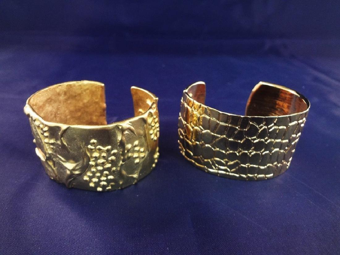 Kenneth Jay Lane Cuff Bracelets Gold Toned - 2