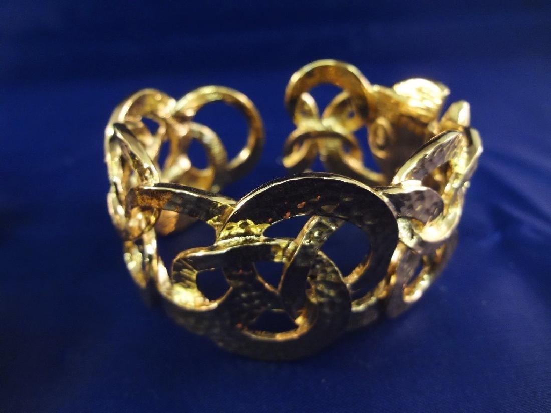 Kenneth Jay Lane Cuff Bracelets Gold Toned - 3