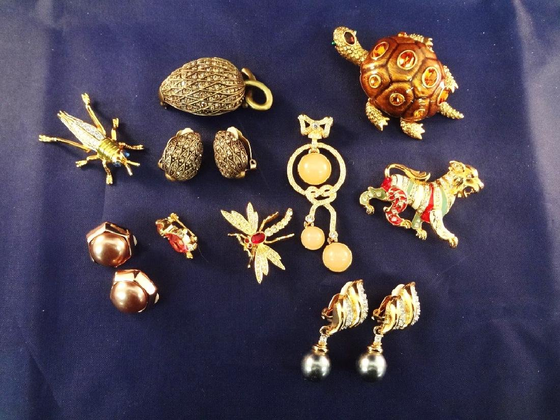 Joan Rivers Vintage Jewelry Group: (5) Brooches, (3)