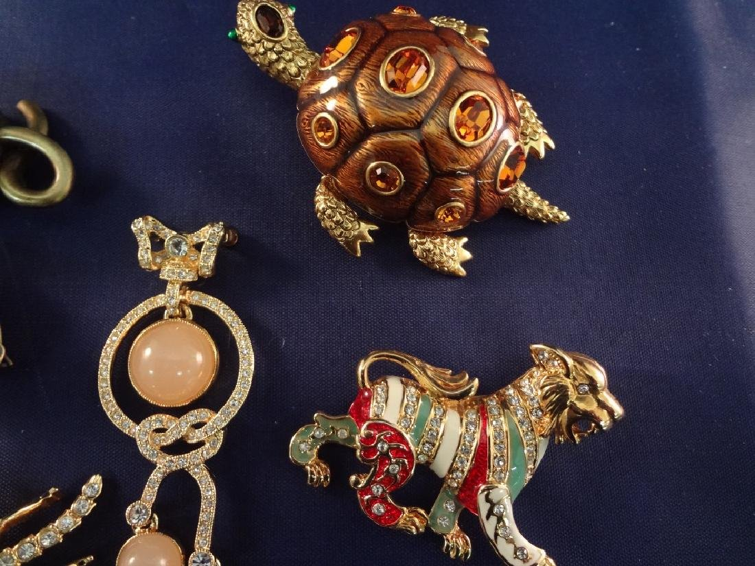 Joan Rivers Vintage Jewelry Group: (5) Brooches, (3) - 3