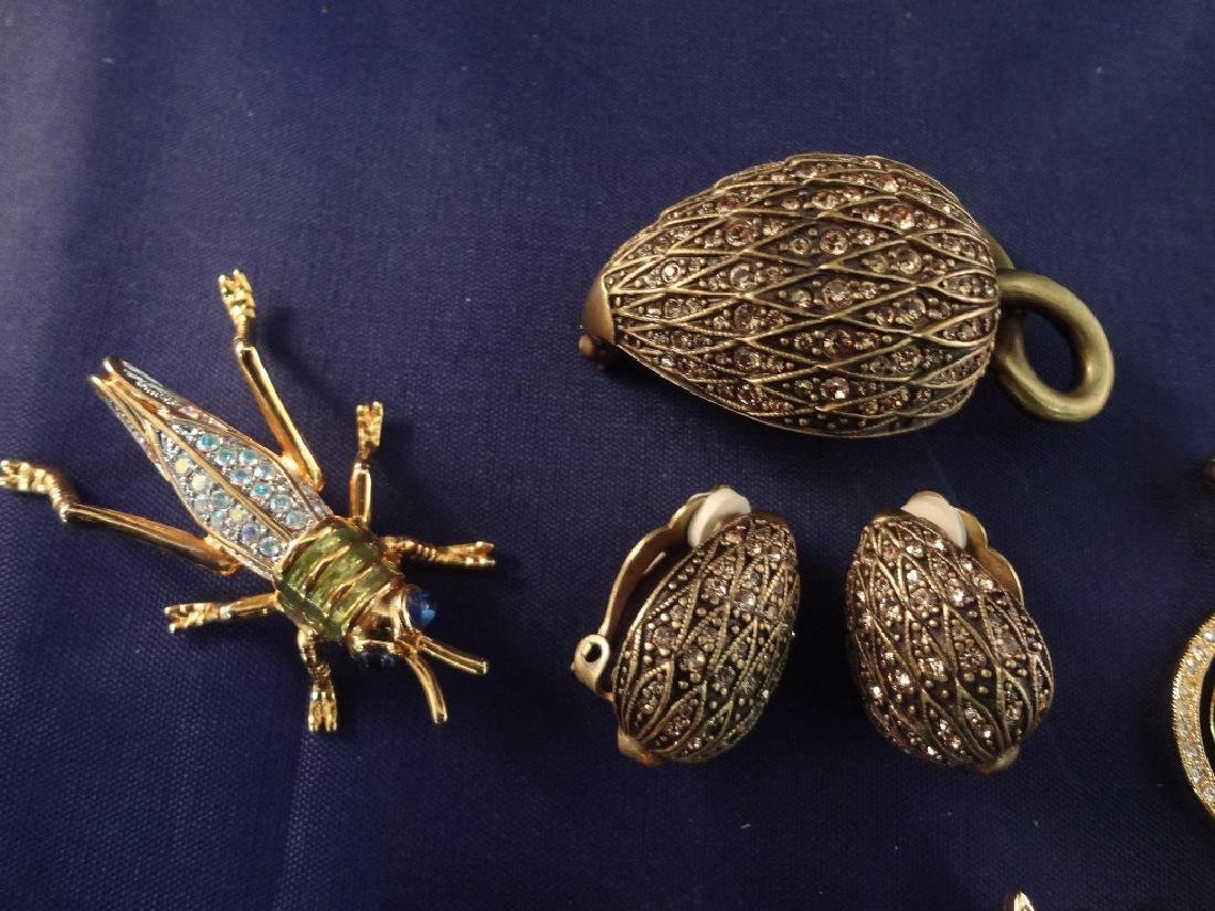 Joan Rivers Vintage Jewelry Group: (5) Brooches, (3) - 4