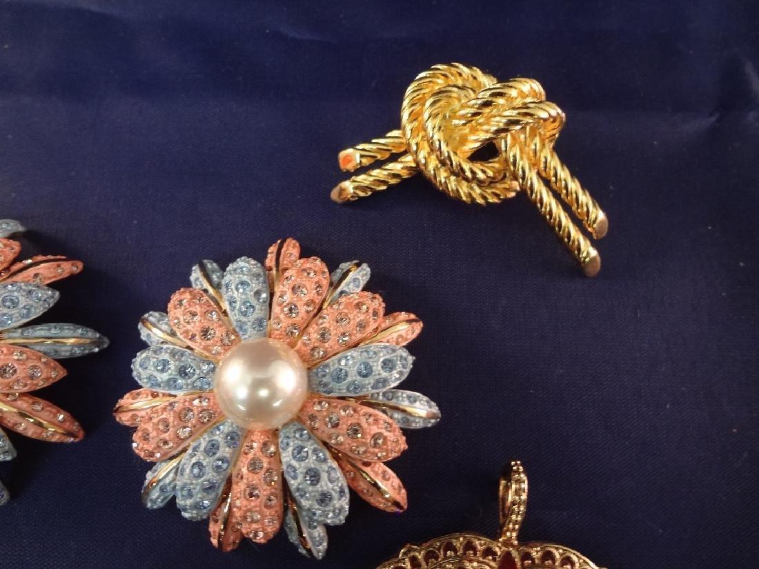 Joan Rivers Jewelry (9) Brooch and Pendants - 3
