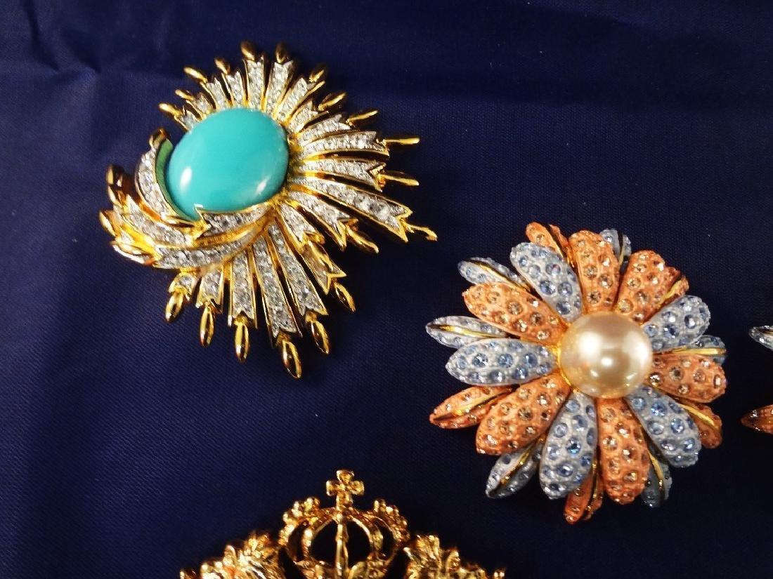 Joan Rivers Jewelry (9) Brooch and Pendants - 4