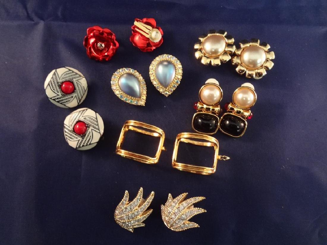(7) Joan Rivers Vintage Jewelry Earring Sets
