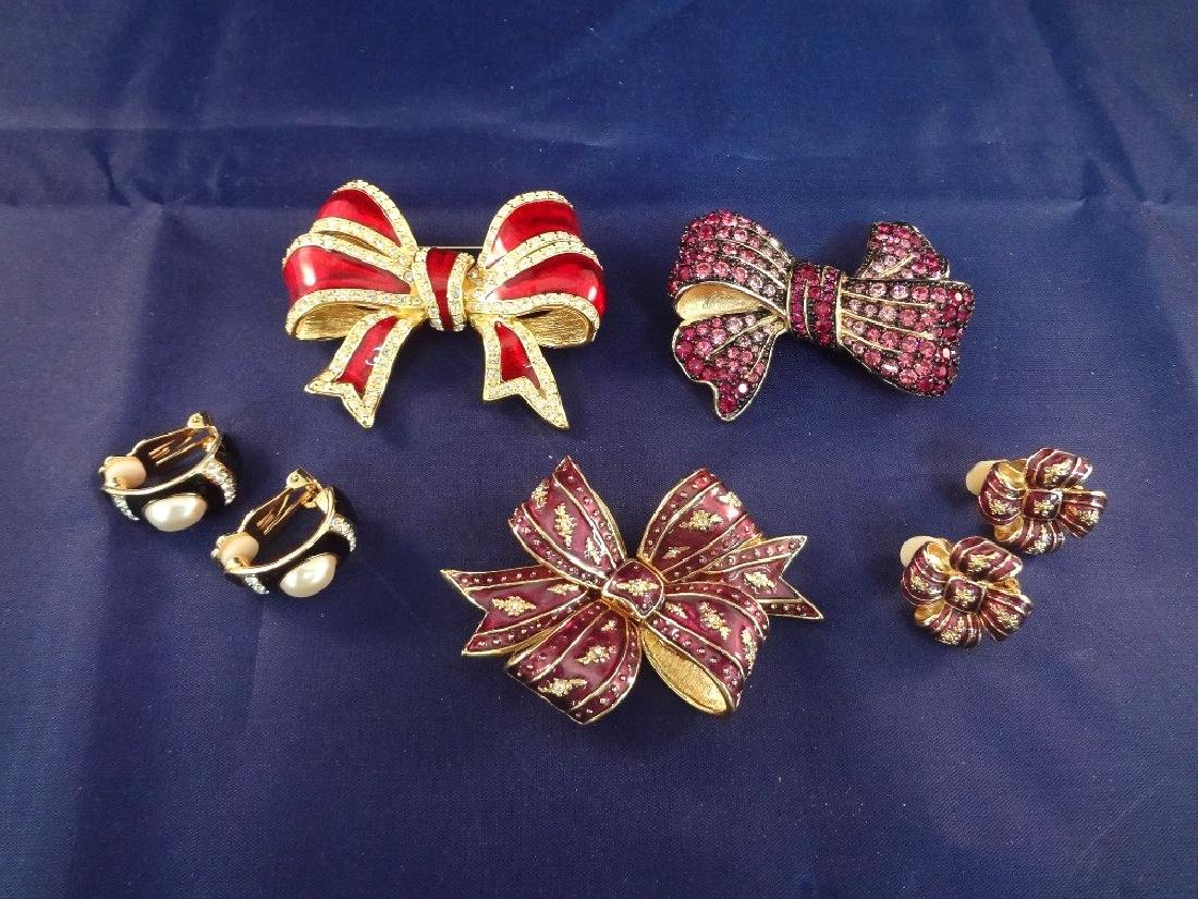 Joan Rivers Jewelry: (3) Brooches, (2) Clip On Earrings