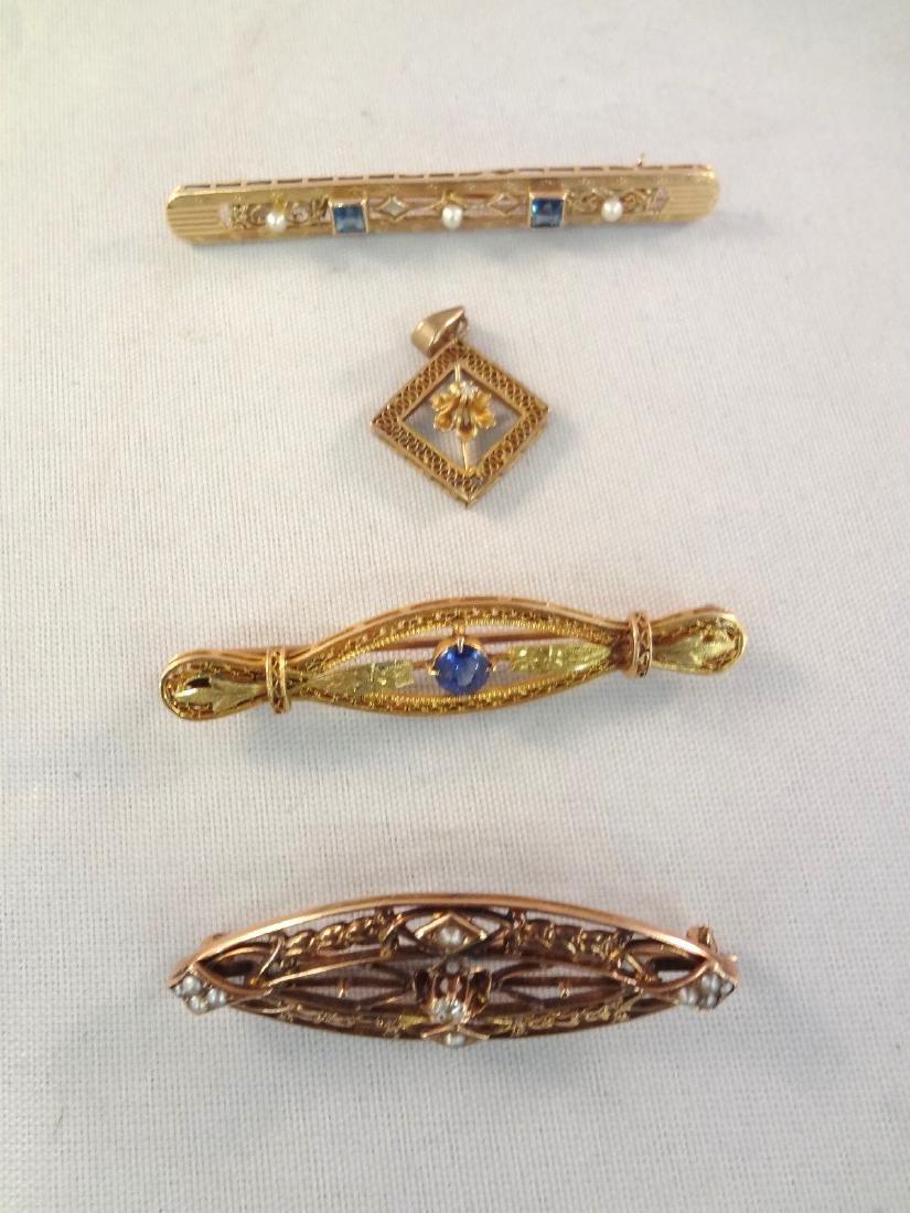 (4) 10k Gold Victorian Bar Brooches